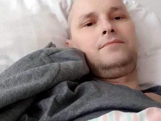 Dvojnásobný otec a milujúci manžel Pavol zvádza ťažký boj s rakovinou: FOTO Poisťovňa mu nepomôže