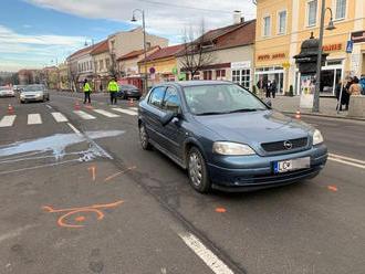 V Lučenci zrazilo auto na priechode dve dôchodkyne. Šoféroval ho policajný vyšetrovateľ