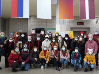 Spevácky zbor z Michaloviec sa vrátil z Kórey. Všetci musia zostať v izolácii