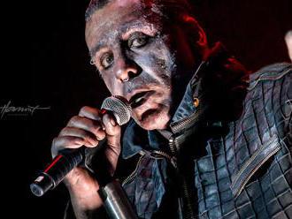 Kapela Rammstein poprela správy, že Till Lindemann má koronavírus