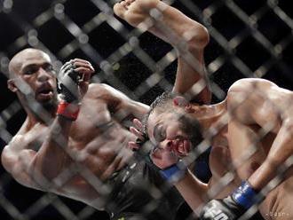 MMA:Jonesa zatkli za šoférovanie pod vplyvom a nedbalé použitie zbrane