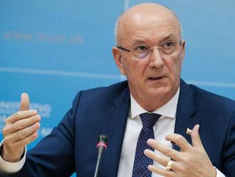 Hoľka odvolali z funkcie šéfa úradu ministerstva obrany