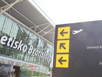 Slovensko končí s repatriáciami, len z Británie chce domov 2500 ľudí