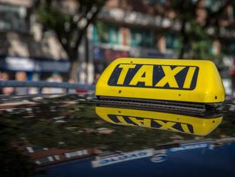 Taxikári stále nemôžu jazdiť, obávajú sa existenčných problémov