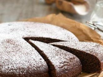 KORONAVÍRUS Upečte si doma tento magický koláč bez vajec a masla: Megarýchly recept a chutí božsky!