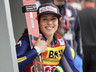 Královně lyžařské sezony Brignoneové dovezl glóby kurýr