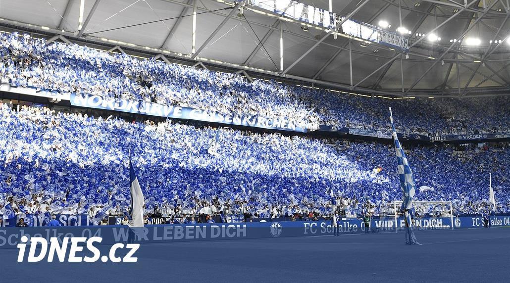Ohrožené Schalke žádá fanoušky: Pomozte, nechtějte vrátit vstupné