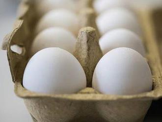 Vejce v akcích jsou před Velikonocemi nejlevnější za osm let