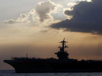 Záchranca námorníkov zo zamorenej lietadlovej lode potopil ministra