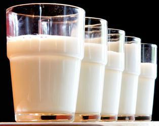Nákupná cena surového mlieka v marci klesla