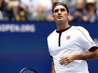 Federer momentálne netrénuje, neverí v skoré obnovenie sezóny