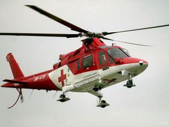 Vážna dopravná nehoda si vyžiadal zásah vrtuľníka