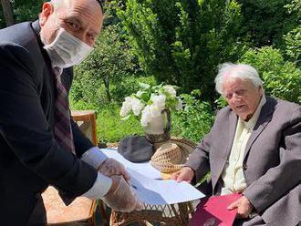 Izraelský a poľský prezident blahoželali 101-ročnej hrdinke z obdobia holokaustu