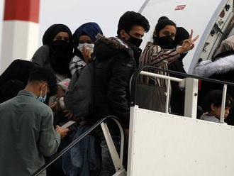 Našli nové trasy: Napriek koronavírus sa počet príchodov nelegálnych migrantov z Afriky do Talianska
