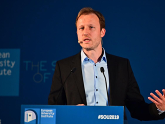 Reguláciu sociálnych sietí nebudeme mať skôr ako o tri roky, vraví Ľuboš Kukliš z licenčnej rady