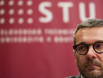 Akademický senát STU sa zastal dekana Kotuliaka