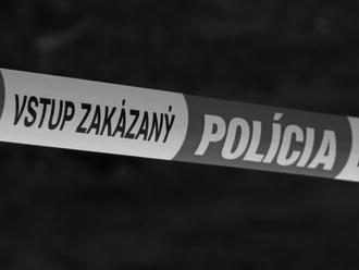 MIMORIADNA TRAGÉDIA pri Lučenci: V rodinnom dome našli dve mŕtve telá