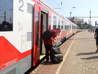 Študenti možno čoskoro budú opäť cestovať vlakmi zadarmo