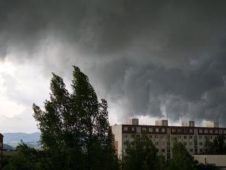 Pozor na silný vietor! SHMÚ vydal pre časť Slovenska výstrahu 2. stupňa