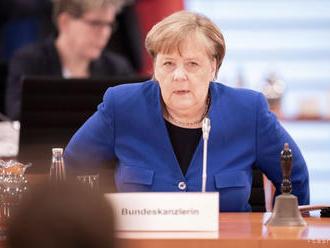 Merkelová a Macron žiadajú efektívny plán obnovy po koronakríze