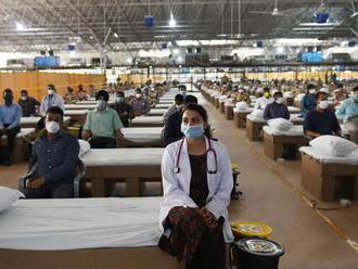 Nemocnicu pre 10-tisíc pacientov s koronavírusom postavili v Indii za 10 dní