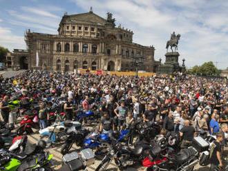 Motorkáři v Německu protestovali proti možným restrikcím