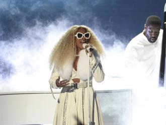 Rapperovi kľačal policajt na krku, Beyoncé rozprávala o rasizme. Na BET Awards dominovala politika