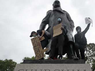 Nobelista Churchill aboritelia sôch