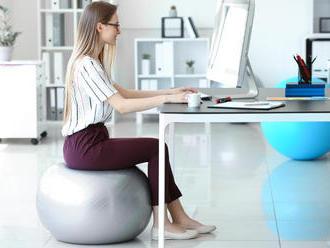 Fitlopta na sedenie pre správne držanie tela