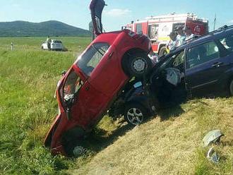 Vážna dopravná nehoda pri obci Horná Strehová: Zranilo sa šesť ľudí, zasahoval aj vrtuľník