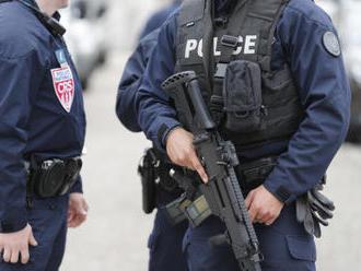 Ozbrojenec drží tři rukojmí v Le Havru, další tři propustil