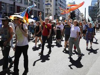 Nemecká polícia rozohnala demonštráciu proti pandemickým obmedzeniam