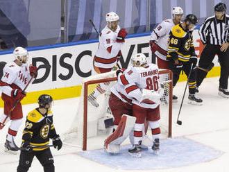 NHL: Columbus aj Carolina vyrovnali stav série, Vegas vedie už 2:0
