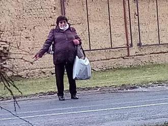 Divoká stopařka z Lutína trápí řidiče, na varování nedbá. Co vozí v taškách?