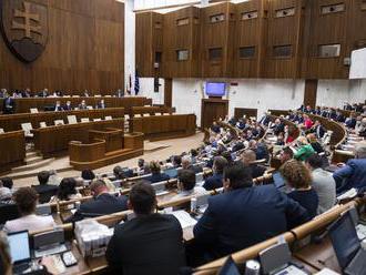 Bilancia novej vlády: Poslanci doteraz prijali 43 noviel zákonov, prezidentka vetovala tri z nich. &