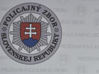 Bánovskí policajti pri pátraní po tínedžerke našli drogy