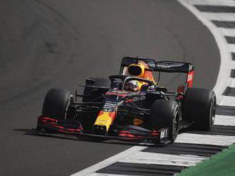 Závod F1 v Barceloně: Verstappen chce udržet Mercedes pod tlakem