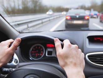 Vodiči, pozor! V smere od Martina na Žilinu sa tvoria kolóny: Dopravu polícia monitoruje