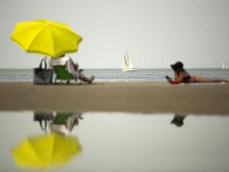 Le Figaro: Proč po návratu z dovolené chceme hned na novou
