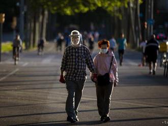 Počet obetí nového koronavírusu presiahol v Španielsku 30 000