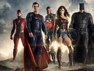 Zack Snyder to shoot new Justice League movie footage in October     - CNET