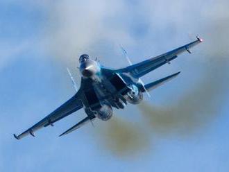 Ruská stíhačka Su-27 zahnala britské lietadlo nad Čiernym morom