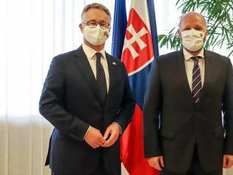 Slovensko a Spojené kráľovstvo by mali rozvíjať spoluprácu v civilno-vojenskej oblasti, tvrdí minist