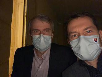 Novinár Dag Daniš vláde a pandémickej komisii: Skladať účty za túto krízu a za primeranosť opatrení