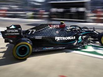 Mercedes jaksepatří spráskal konkurenci