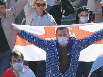 Má Západ prsty v protestoch? Bielorusi protestujú z vlastnej vôle