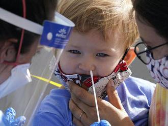 Vedci stále skúmajú, či sa koronavírus šíri medzi deťmi ľahko