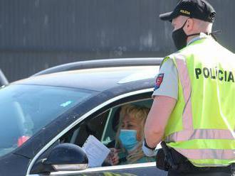 Polícia pripomína, čo treba robiť po príchode z rizikovej krajiny