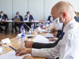 Rokovať bude pandemická komisia. Očakáva sa sprísňovanie