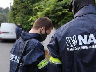 PRÁVE TERAZ Sudca zobral po 14 hodinách všetkých obvinených v rámci akcie Plevel do väzby